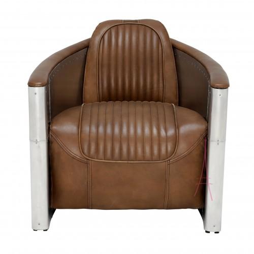 Sillón de estructura de aluminio con remaches y tapizado en ecocuero marrón borgoña.