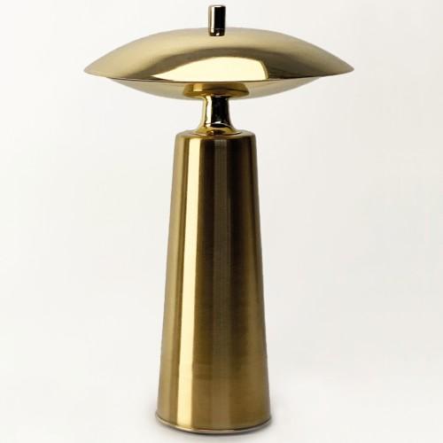 Lámpara de mesa/velador. Construida en metal. 3 luces g9.